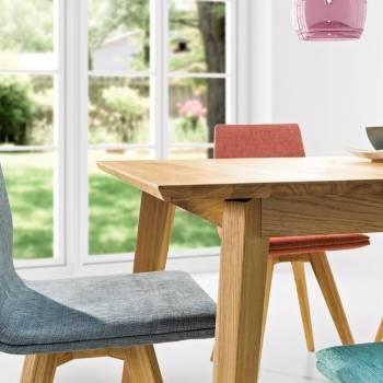 2 chaises en chêne huilé et tissu